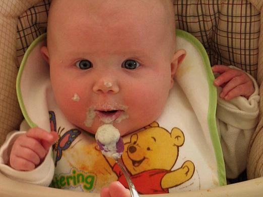 Чим годувати дитину в 7 місяців?