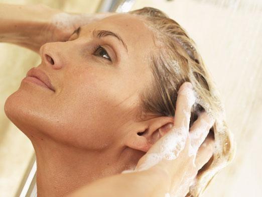 Чим мити голову замість шампуню?