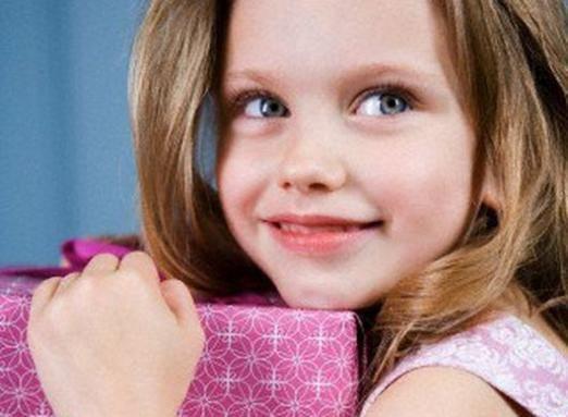 Що подарувати дівчинці 9 років?
