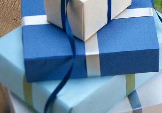 Що подарувати на день чоловіків?