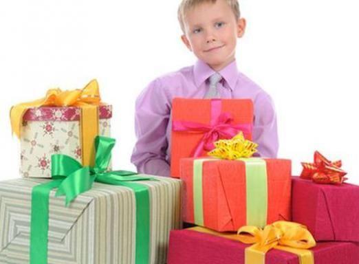 Що подарувати однокласника?