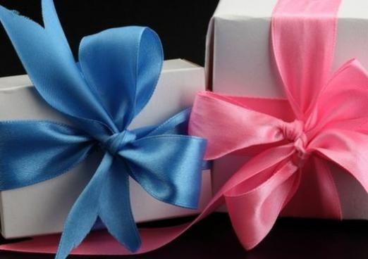 Що подарувати жінці на 60?