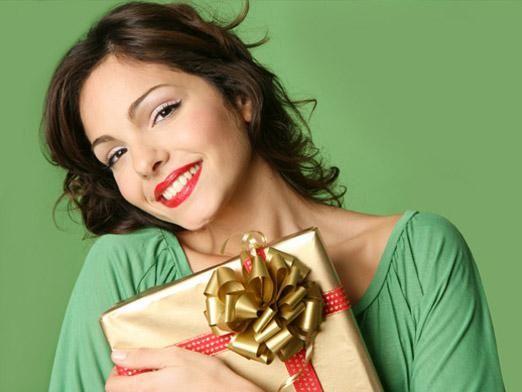 Що подарувати жінці?
