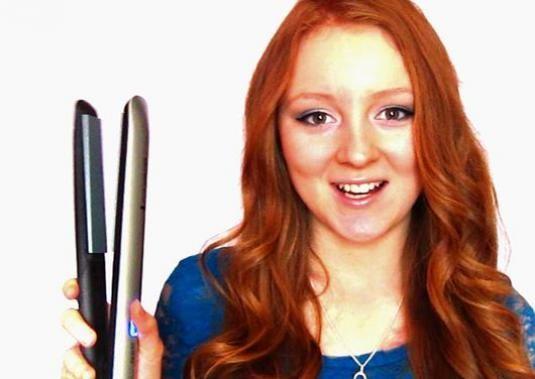 Як накрутити волосся праскою?