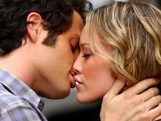 Як навчитися цілуватися взасос без мови?