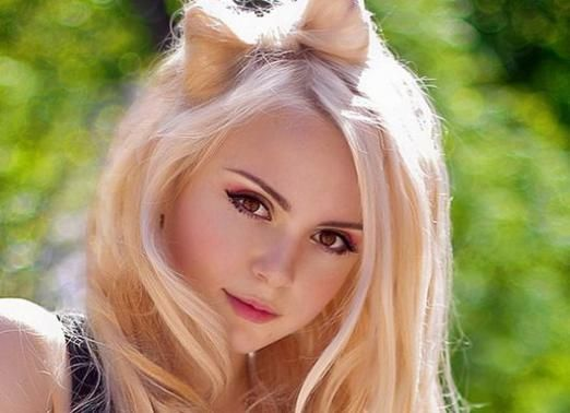 Як перефарбуватися в блондинку?
