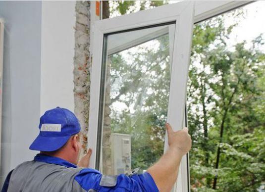 Як зняти пластикове вікно?