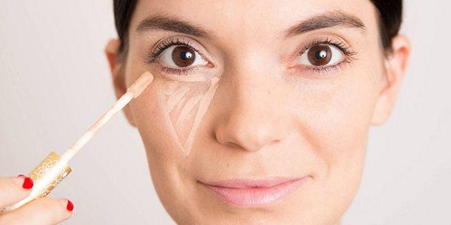 Як замаскувати забій під оком косметикою