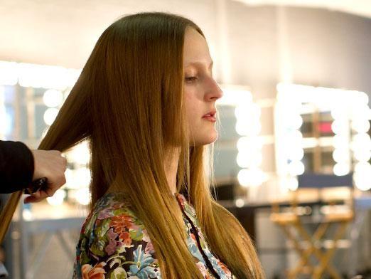 Як в домашніх умовах зробити зачіску?