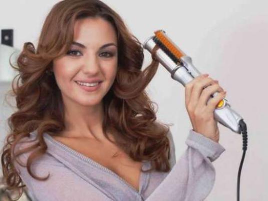 Як завити волосся випрямлячем?