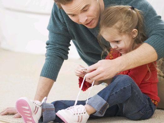Як зав`язувати шнурки?
