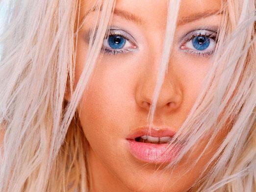 Який колір волосся підійде до блакитних очей?