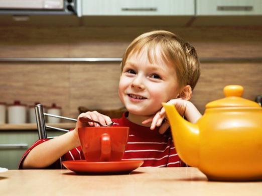 Чи можна чай дітям?
