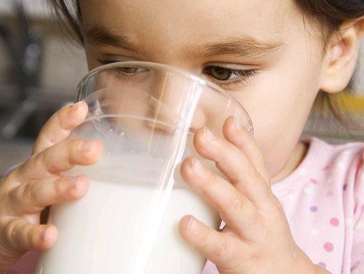 Чи можна козяче молоко дітям?