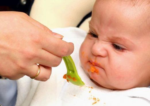 Чому дитина не їсть?
