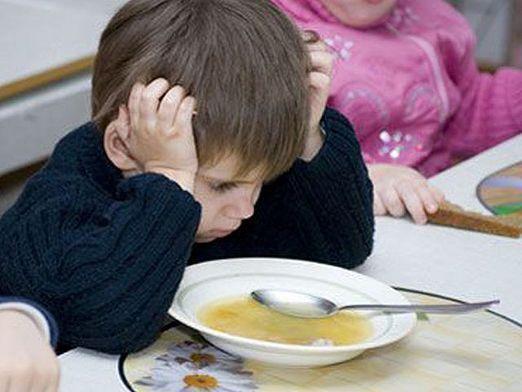 Чому дитина погано їсть?