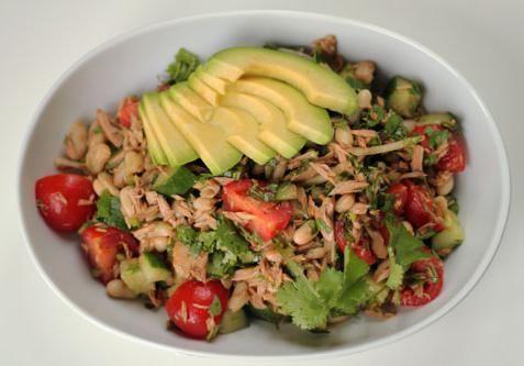 салат авокадо з тунцем рецепт