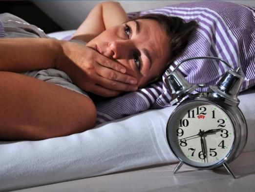 Скільки людина може без сну?