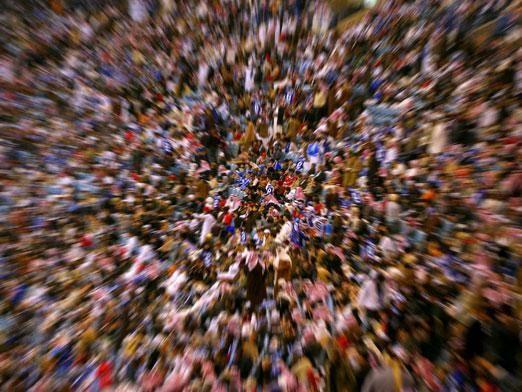 Скільки людей в світі?